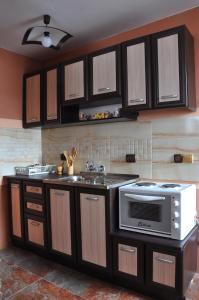 Guest House Eli, Pensionen  Saparewa Banja - big - 11
