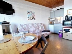 Appartement Chamrousse, 1 pièce, 3 personnes - FR-1-340-6