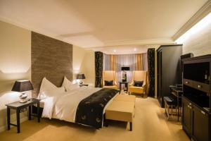 Hotel Business & More