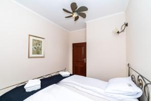 OneApartments Beige
