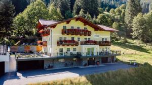 4 Mountains Apartments - Hotel - Kleinarl