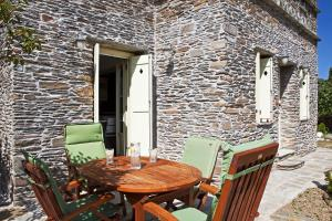 Traditional Pigeon House with Private Pool Andros Greece