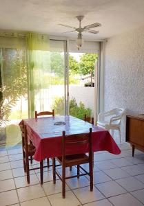 Apartment with one bedroom in Port Leucate with furnished terrace 100 m from the beach