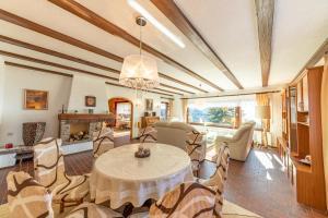 Haus Schauinsland mit 140qm FeWo - Hotel - Sasbachwalden