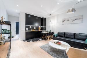 obrázek - EdSam Madrid Apartments Black