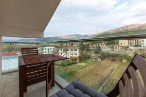 Studio in Podstrana with wonderful mountain view enclosed garden and WiFi 200 m from the beach
