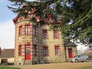 Location gîte, chambres d'hotes Chateau Lezat - Chambres d'Hotes et Table d'Hotes dans le département Creuse 23