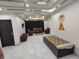 4BHK Fully Furnished Apartment