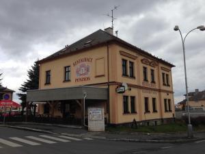 Albergues - Restaurace a Penzion Klatovský Dvůr