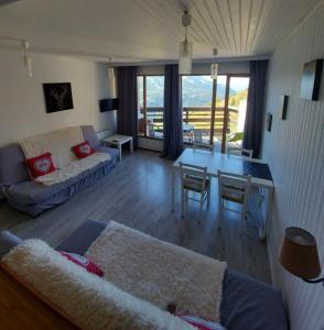 Studio avec grande terrasse - le soleil des Alpes