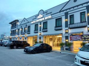 Maple Boutique Hotel