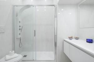 Design Suite Trevi Fountain