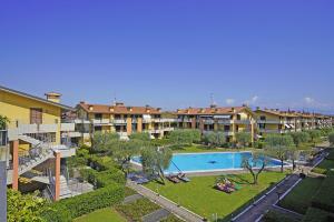 Gardagate - Villaggio dei Fiori - Iris - AbcAlberghi.com