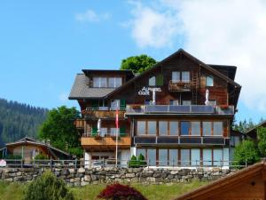 Alphotel Eiger B&B - Accommodation - Beatenberg