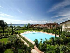 Gardagate - Residenza Caesar 'Benaco' - AbcAlberghi.com