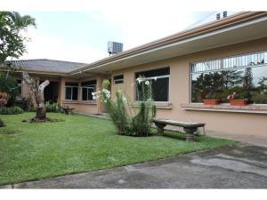 TicoRent Apartment Suites, San José