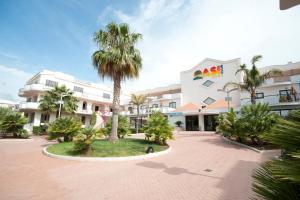 Oasiclub Hotel - AbcAlberghi.com