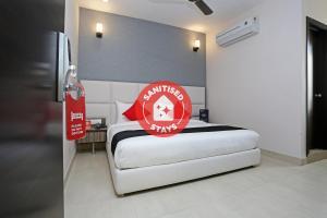 OYO Collection O 77640 Hotel Prive Inn