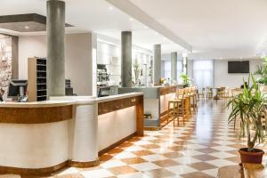 Club Hotel e Residence La Vela, Szállodák  Nago-Torbole - big - 31