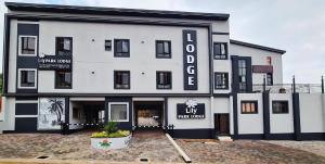 LilyPark Lodge
