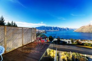 Awesomely Ambient Queenstown Home