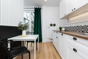 Apartments Chmielna Warsaw by Renters
