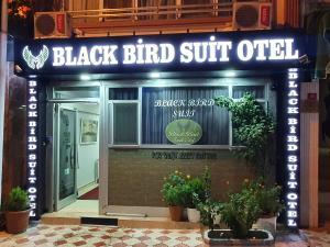 Black Bird Suite Hotel