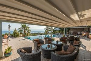 Luxurious Cosy Villa Breathtaking Seaview Pool