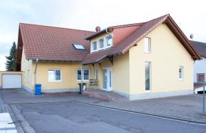 Ferienwohnungen Beckingen - Honzrath