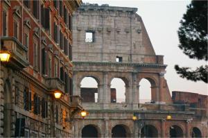 Colosseum Street - abcRoma.com