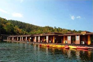Raya Buri Resort Kanchanaburi - Ban Huai Hin Dam
