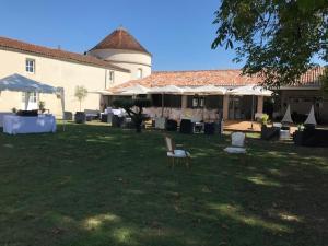 Location gîte, chambres d'hotes Le Logis du Péré dans le département Charente maritime 17