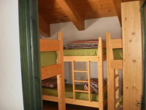 Lit dans un dortoir de 4 lits