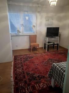 Shöne 2 Zimmerwohnug mit Küche und Bad