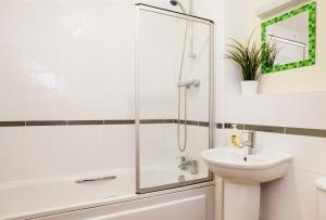 Cheltenham Plaza Apartments, Apartmány  Cheltenham - big - 41