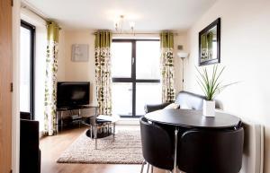 Cheltenham Plaza Apartments, Apartmány  Cheltenham - big - 33