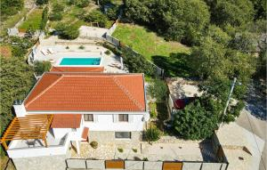 Awesome home in Pokrovnik w/ Outdoor swimming pool, Jacuzzi and 3 Bedrooms