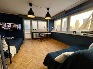 Super Apartament BLUE Ścisłe Centrum Dwie Linie Metra Netflix WiFi 300 Mbs Panorama Miasta