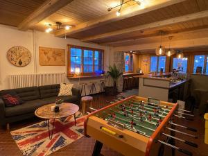 Freeride Hostel & Bar lounge - Hotel - Les Crosets