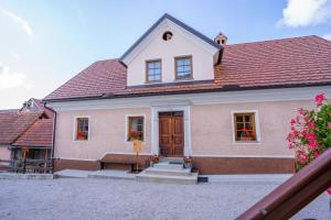 Notranjska hiša - traditional country house, Cerknica