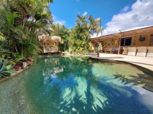 Okinja 71 - Hawaiian Escape on the Sunshine Coast!