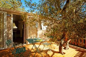 Location gîte, chambres d'hotes Camping l'Olivier Junas dans le département Gard 30
