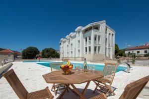 Mala Dalmacija Apartments by Mediteran Travel
