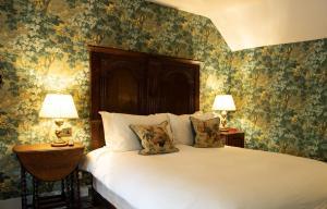 Ockenden Manor Hotel & Spa (2 of 50)