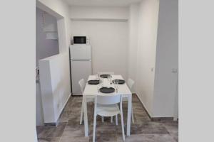 2 Bedroom in Salou center with Pool and Parking