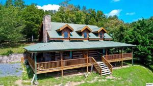 Accommodation in White Pine