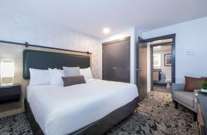 The Crystal Lodge - Hotel - Whistler Blackcomb