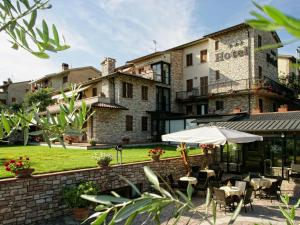 Hotel La Terrazza 3 étoiles à Assise Avec Restaurant Et Piscine
