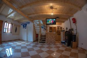 Hétvégi ház Csíkmadarason/Weekend house Madaras - Hotel - Mădăras