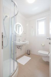 Apartments Lofiel, Ferienwohnungen  Novalja - big - 148